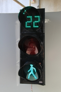 Pedestrian signal light with countdown unit